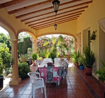 2 Cocinas Naya ORIENTACIN OESTE Bonita Propiedad Ubicada A Escasos 700 Metros Del Casco Urbano En Una Parcela Totalmente Plana